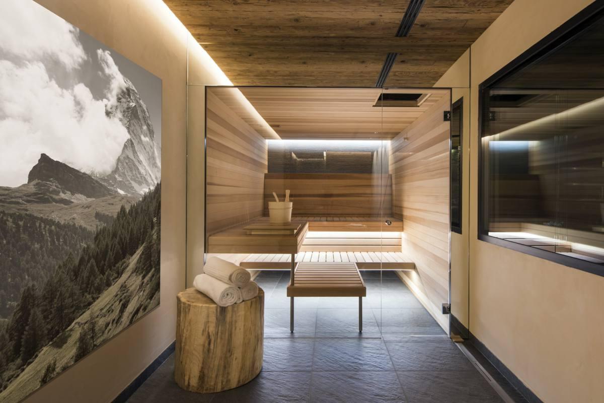Spa area with sauna at Chalet Elbrus in Zermatt