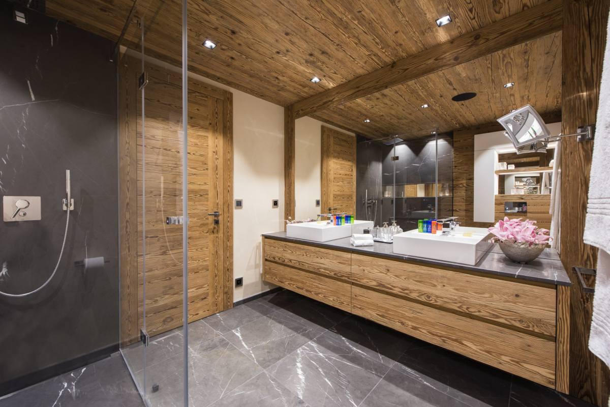 Second floor master shower room at Chalet Elbrus in Zermatt