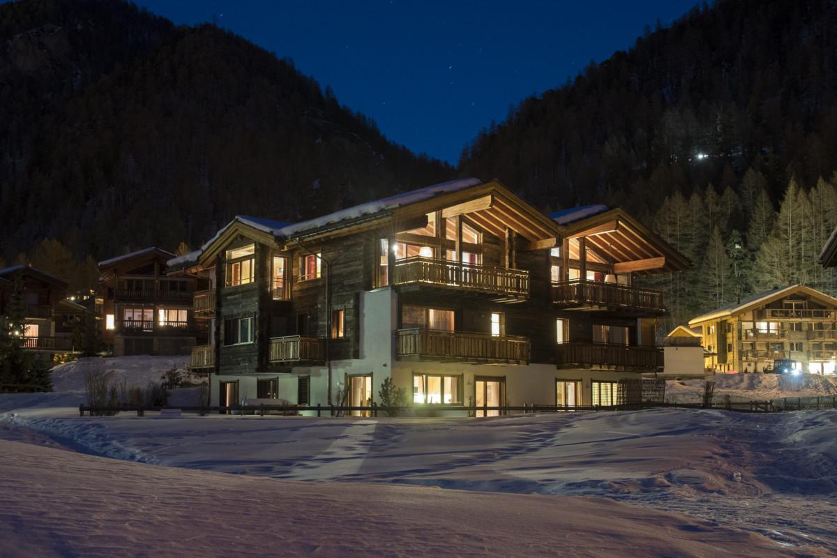 Exterior evening view of Apartment Elena in Zermatt