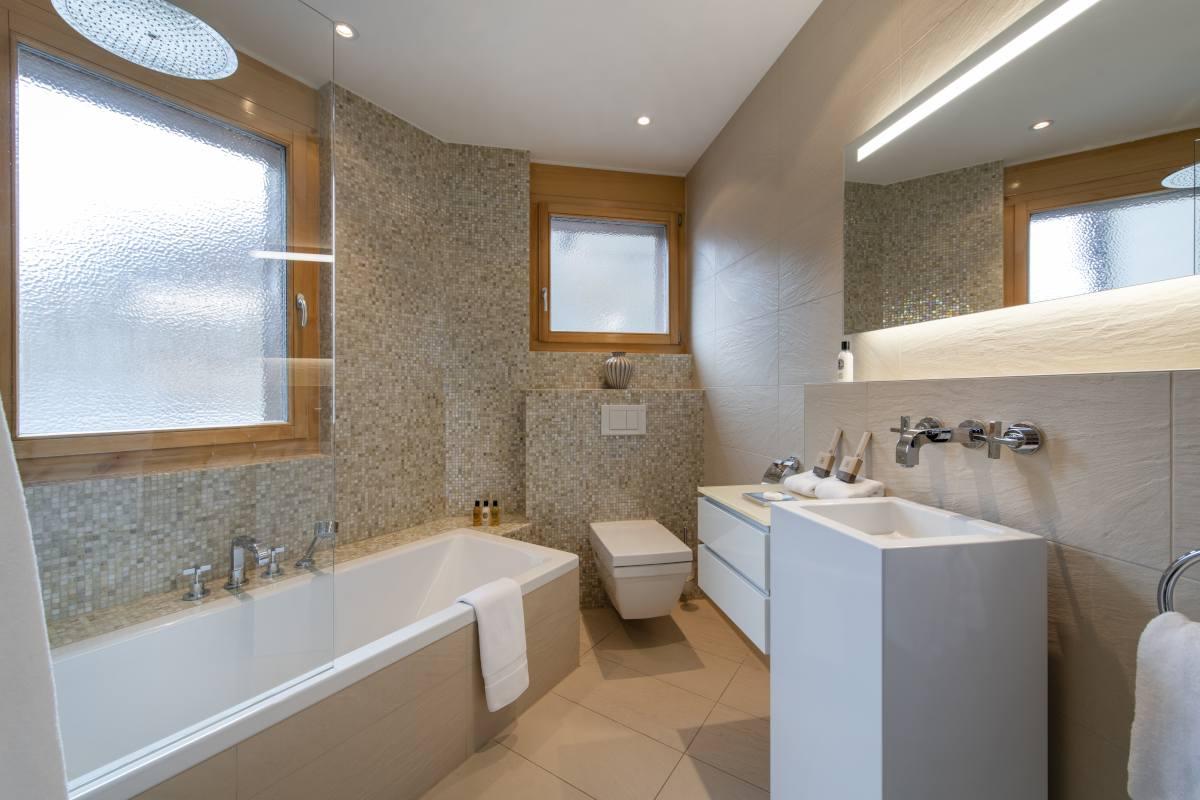 Hegemone en suite bathroom at Chalet Grace in Zermatt