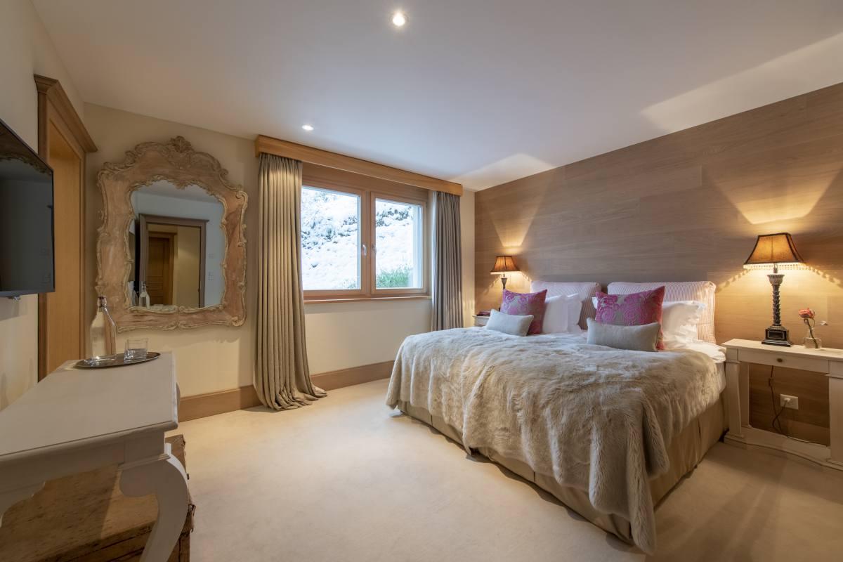 Thalia double/twin bedroom at Chalet Grace in Zermatt