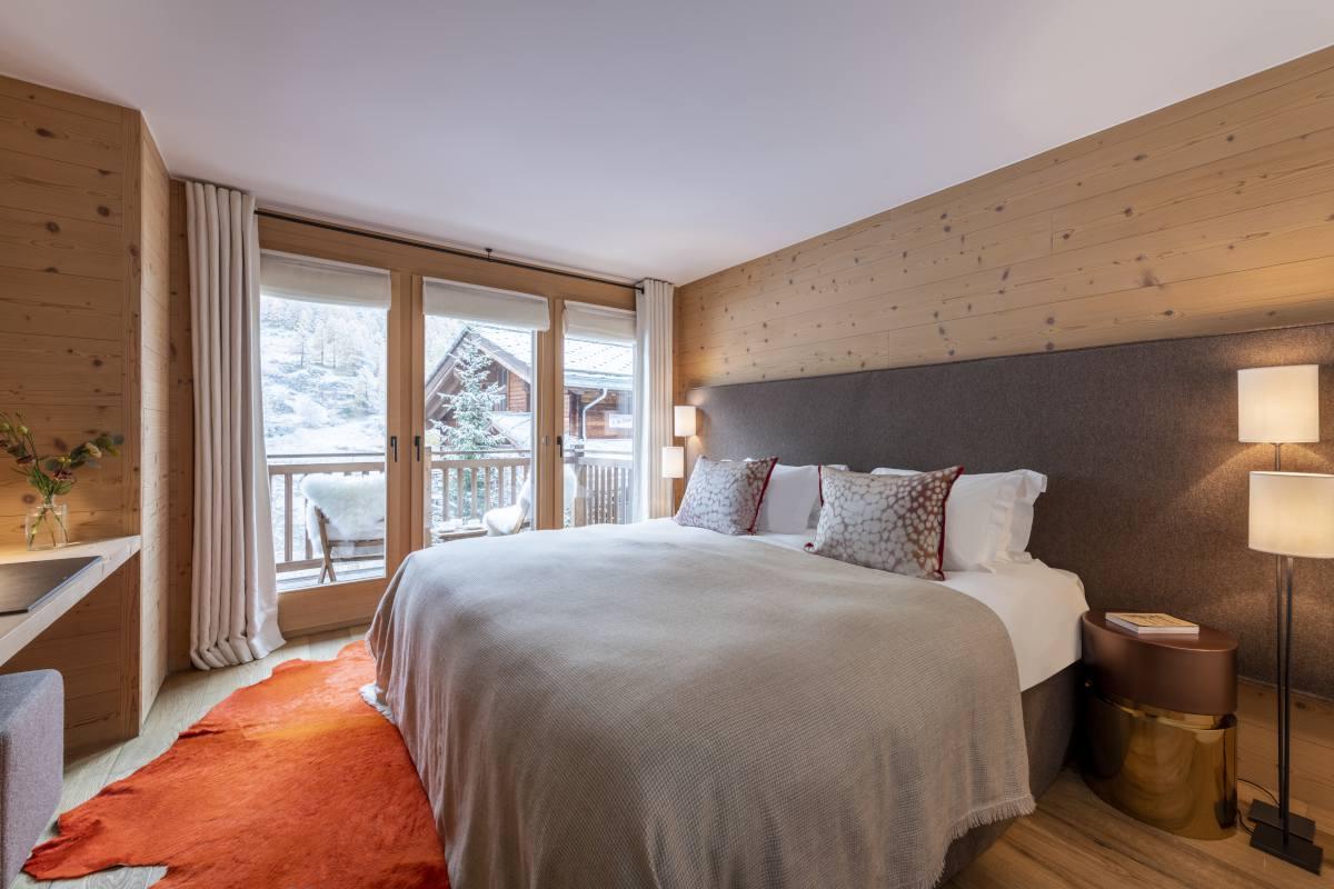 Sendak double/twin bedroom at Chalet Maurice in Zermatt