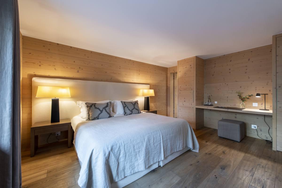 Zbriger double/twin bedroom at Chalet Maurice in Zermatt