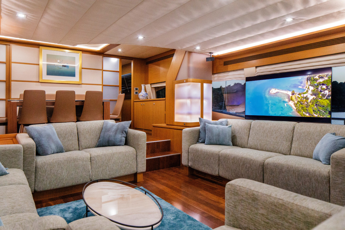 Saloon relaxation and entertainment with television on M/Y Orlando L