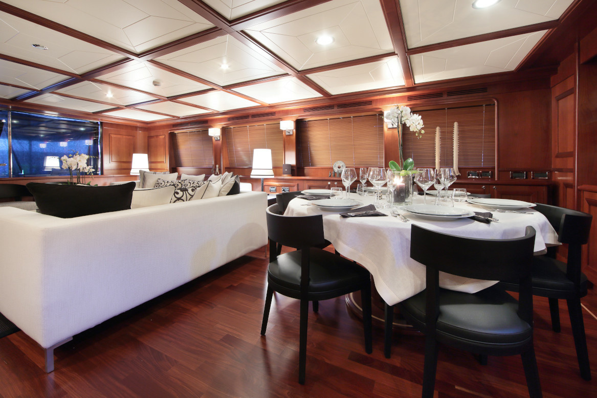 M/Y Lady Soul dining table and stylish saloon