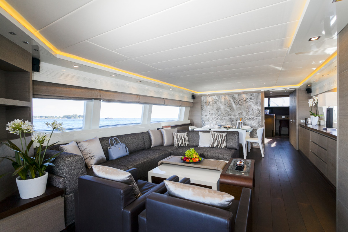 M/Y Olga I saloon with spacious and comfortable seating