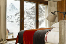 King size bedroom with view of the Matterhorn in Chalet Les Anges, Zermatt