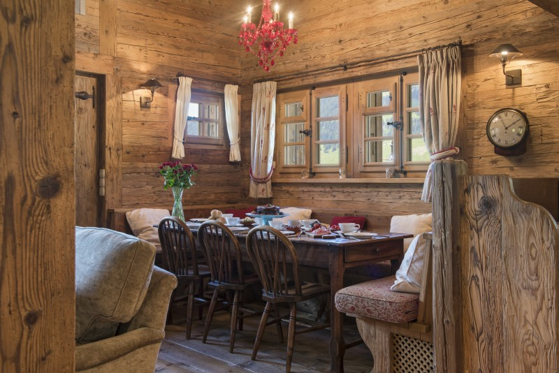 Chalet Le Ti dining