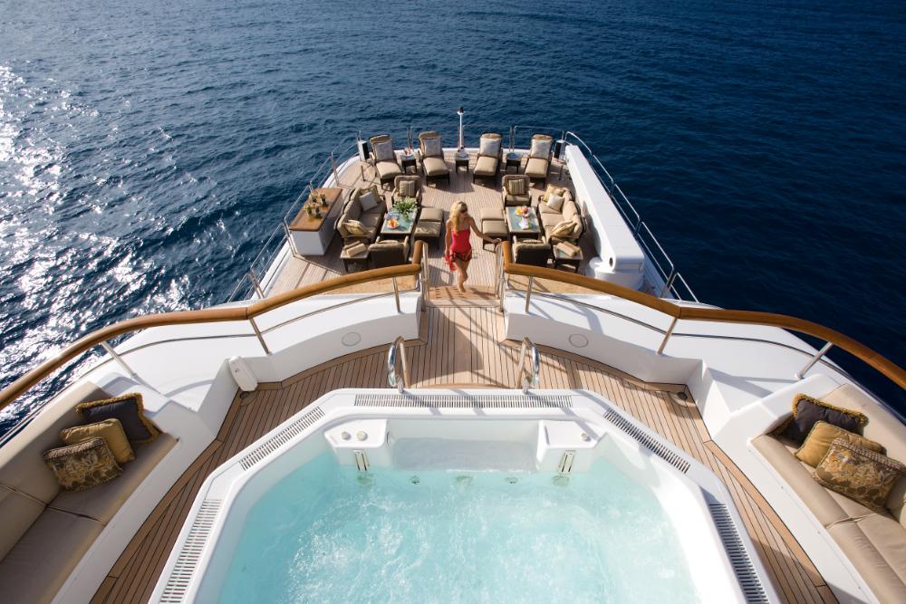 Motor yacht Utopia- hot tub- Mediterranean