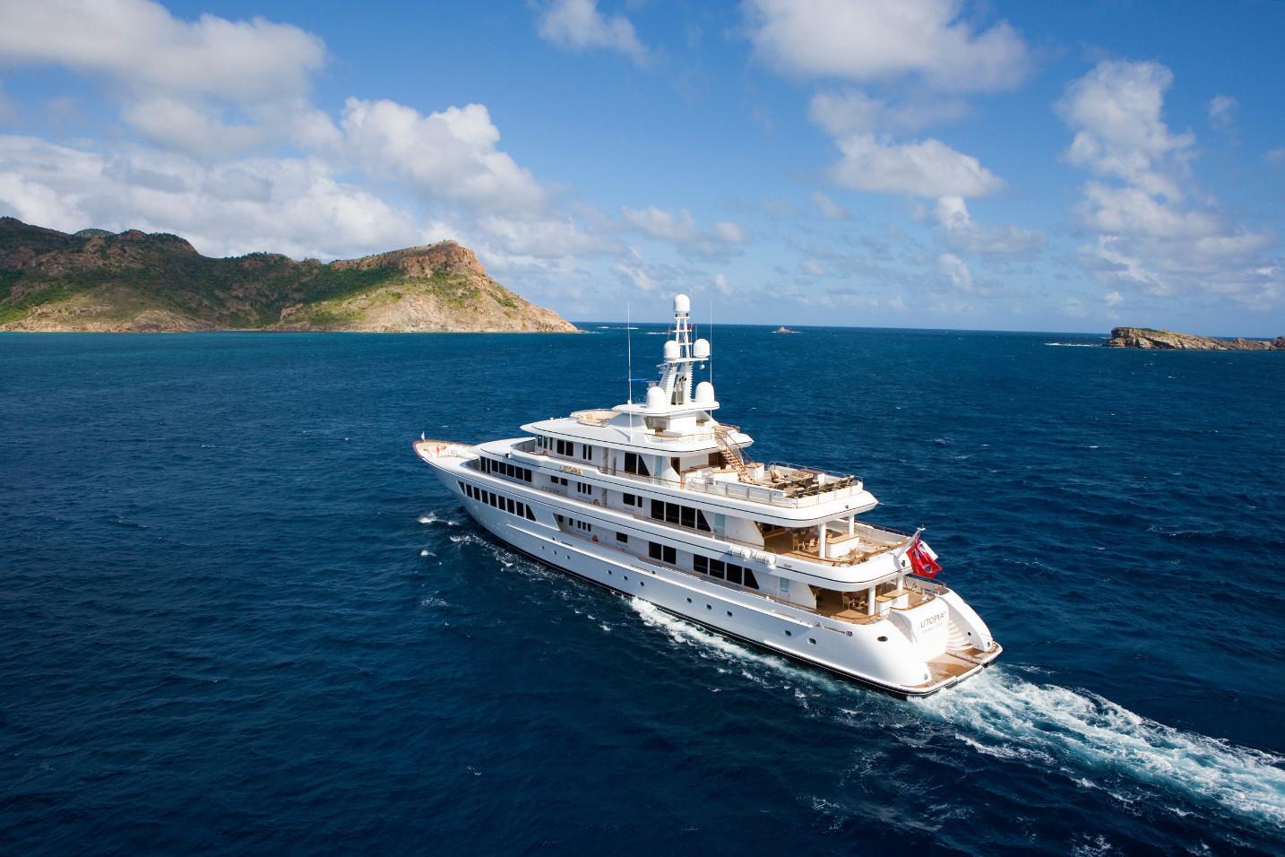 Motor Yacht Utopia- curing the Mediterraenan